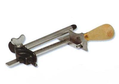 Taglia cinghie con riga millimetrata